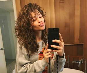 zendaya, hair, and zendaya coleman image