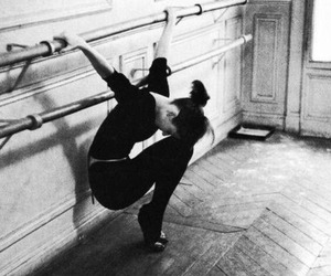 ballet, audrey hepburn, and black and white image