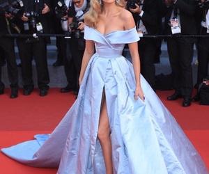 dress and elsa hosk image
