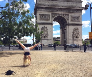 arc de triomphe, france, and handstand image