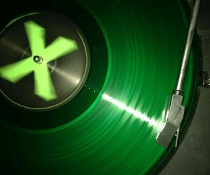 album, disc, and green image