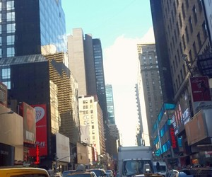 nyc and taxitaxi image