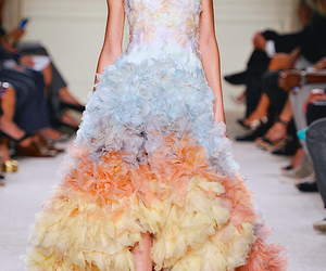 details, runway fashion, and Marchesa image