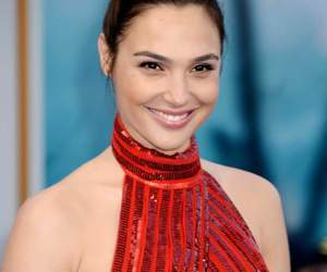 red and gal gadot image