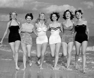 vintage, black and white, and beach image