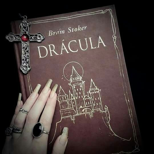 book, Dracula, and vampire image