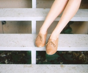 girl, vintage, and dress shoes image