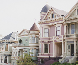 house and travel image