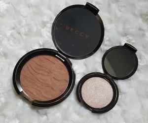 highlight, bronzer, and makeup image