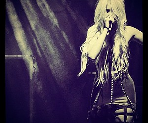 Taylor Momsen, girl, and black and white image