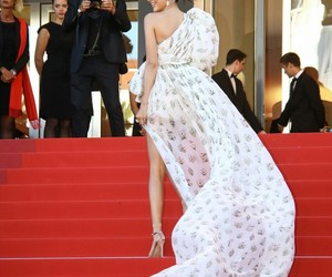 cannes and kendall jenner image
