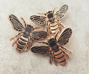 bee and pins image