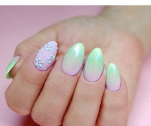 nail art, nails, and ombre image