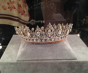accesories, crown, and jewels image