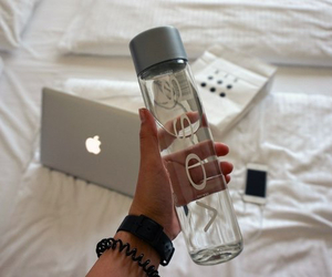 voss, apple, and macbook image
