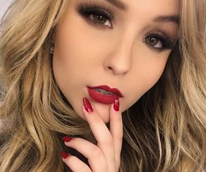 lipstick and larissa manoela image