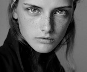 model and darya dogusheva image
