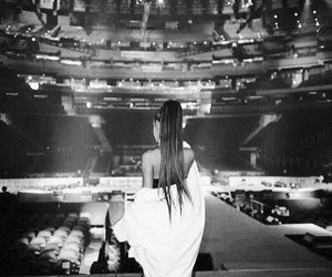 b&w and arianagrande image