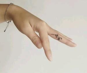 cool, tatoo, and discreto image