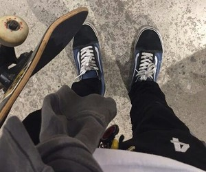 grunge, skate board, and vans image