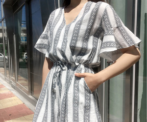 asian fashion, jumpsuit, and kfashion image