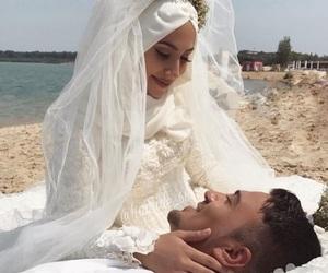amour, hijab, and muslim image