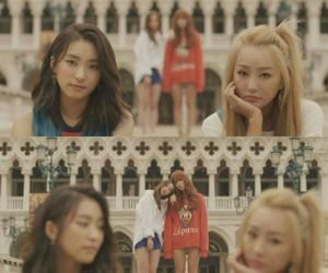 bora, kpop, and lonely image