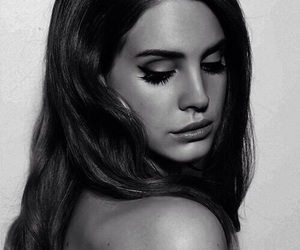 black and white, tumbler girl, and lana del rey image