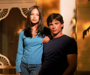 clark kent, kristin kreuk, and superman image
