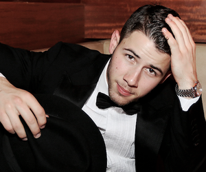 close, nick jonas, and last year was complicated image