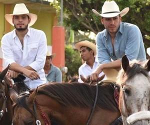 boys, caballos, and guys image