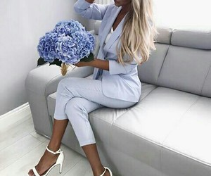 blue flowers and class style image