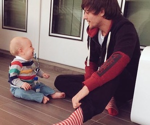 louis tomlinson, one direction, and brothers image