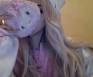 blonde, hello kitty, and icon image