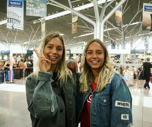 girl, love, and lisaandlena image