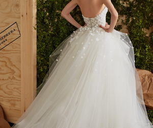 Carolina Herrera, bridal dress, and embellishment image