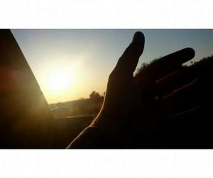 sun-car-love-hand-hobby image