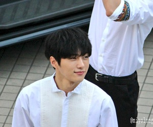 L, white, and myungsoo image