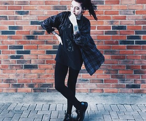 creepers, grunge, and outfits image
