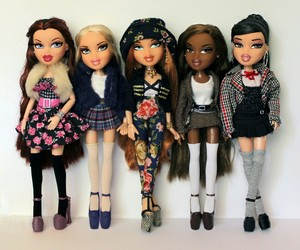 bratz and dolls image