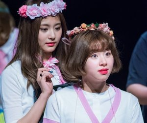kpop, momo, and tzuyu image