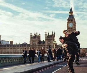 martin garrix, dj, and london image