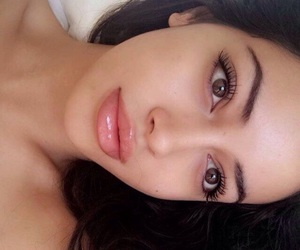 girl, brows, and nomakeup image