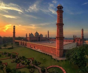 mosque, pakistan, and Lahore image