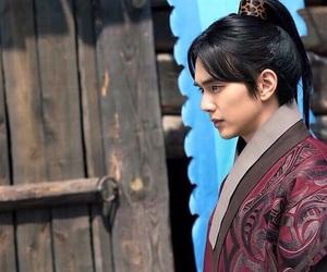 kdrama, yoo seung ho, and yoo ah in image