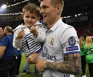 football, real madrid, and toni kroos image
