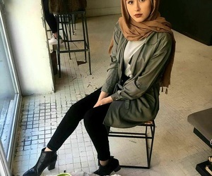 hijab and hijabista image