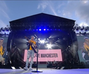 justin bieber and manchester image