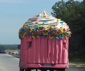 cupcake and car image