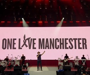 niall horan and one love manchester image